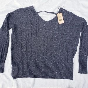 Silver Jean's shelly sweater NWT (G)